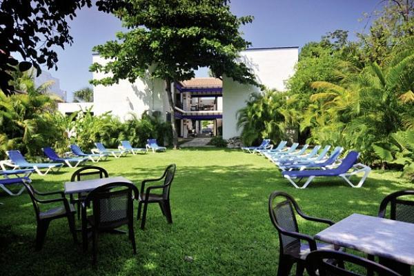 Cooee Nina Hotel Beach Club