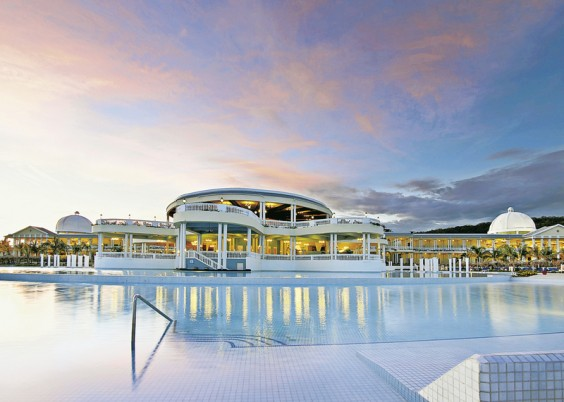 Hotel Grand Palladium Lady Hamilton Resort & Spa,