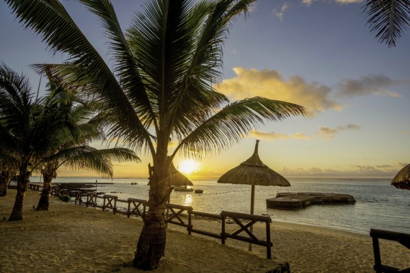 Le Peninsula Bay Beach Resort