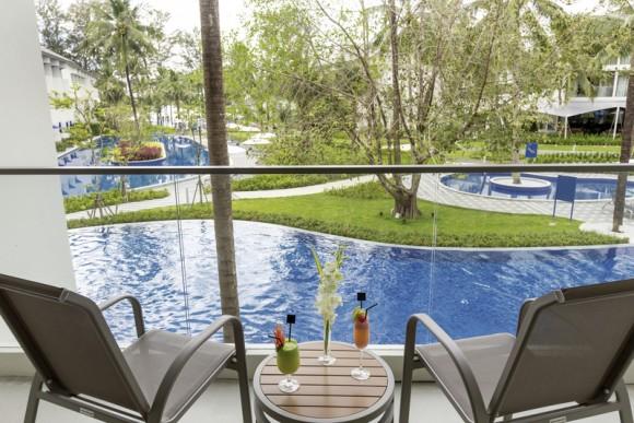 Hotel X10 Khaolak Resort,