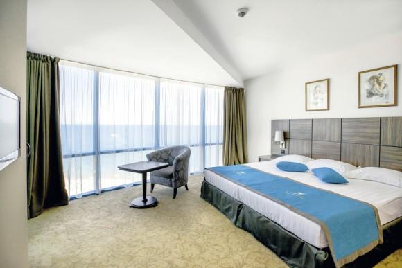 Hotel Marina Grand Beach