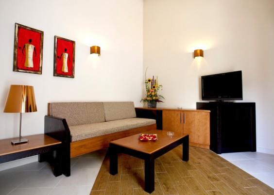 Miraflor Suites