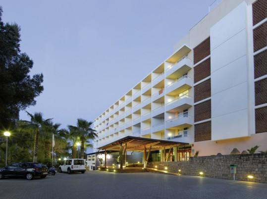 Fiesta Hotel Cala Nova