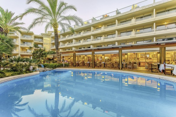 Vanity Hotel Golf & Spa