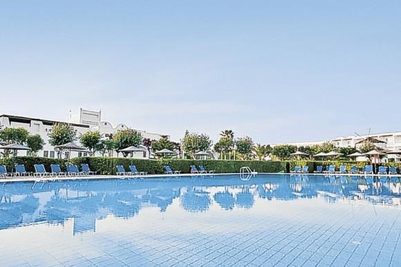 Hotel Lakitira Resort,