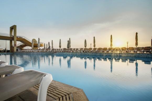 Hotel Seashells Resort at Suncrest,