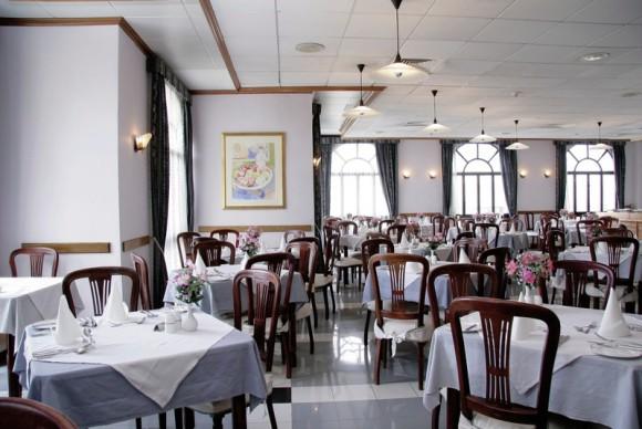 Hotel Gillieru Harbour,