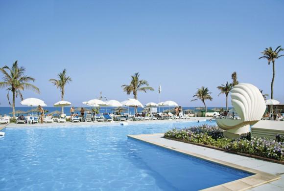 Lou' Lou' A Beach Resort