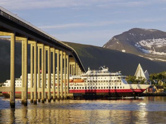 Erlebnisreise Hurtigruten: Reise über den Polarkreis