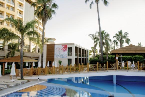 COOEE Fame Residence Lara & Spa