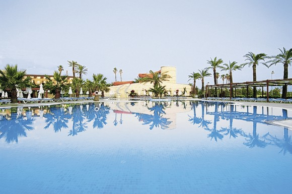 Blue Waters Club & Hotel