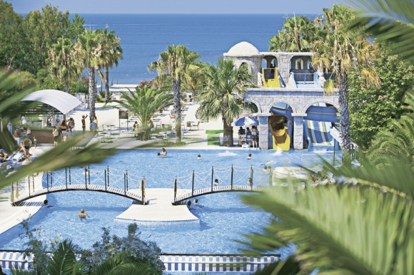 Hotel Thalia Beach Resort,