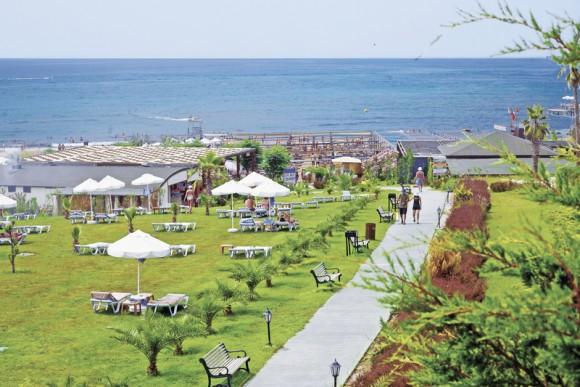 Royal Atlantis Spa & Resort
