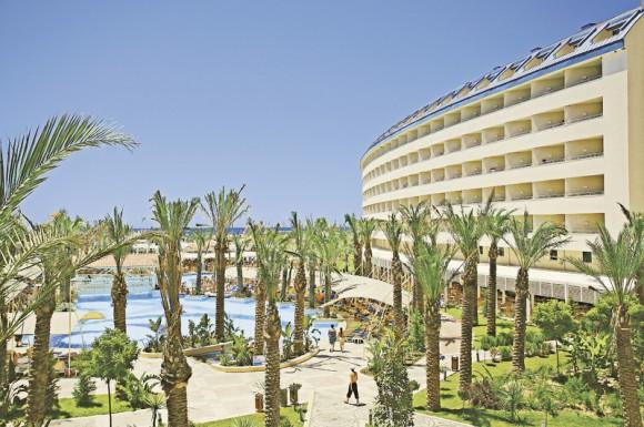 Crystal Admiral Resort & Spa